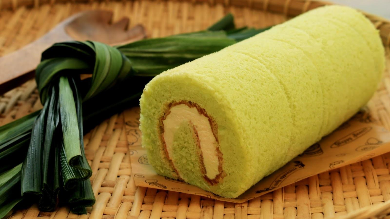 Resep Pandan Banana Roll Cake